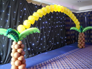 Balloons Decorating Service
